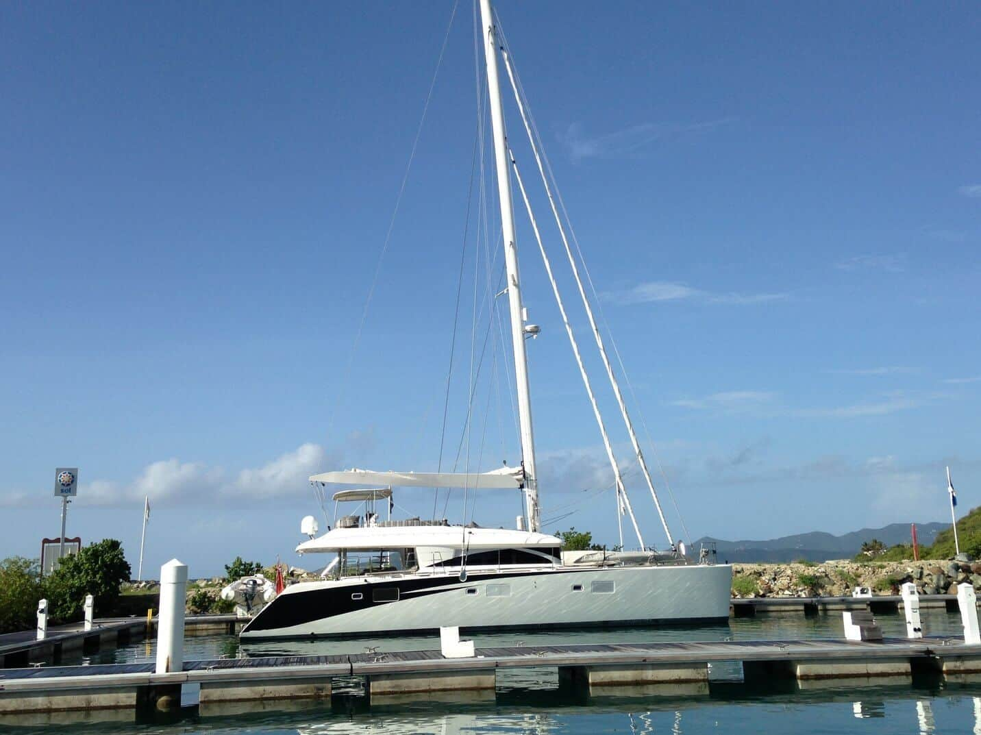 lagoon 620 lady katlo refit project management